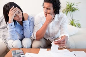 Frustrated-young-couple-finances